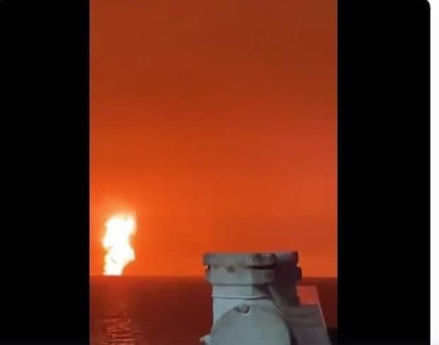 انفجار در دریای خزر/ یک سکوی نفتی آتش گرفت؟ + فیلم