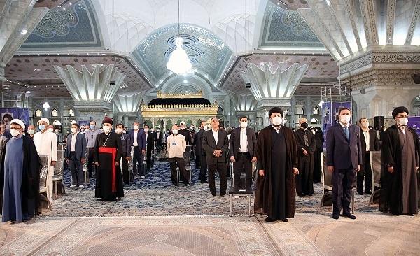 الإمام الخمینی رفع نداء دین نابع من المجتمع