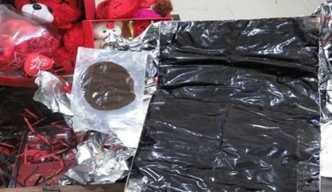 کشف شیره تریاک که قرار بود هدیه ولنتاین باشد! + عکس