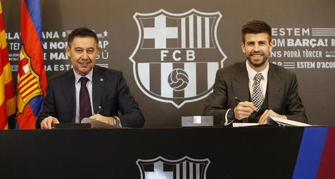 پیکه قراردادش تا 2022 با بارسلونا را امضا کرد +عکس