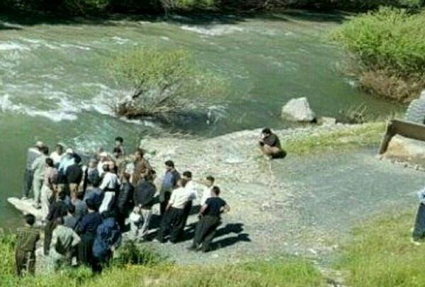 4 کشته براثر سقوط خودرو روآ به داخل رودخانه