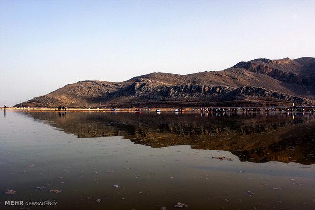 دریاچه های مهارلو و بختگان همچنان جاریست