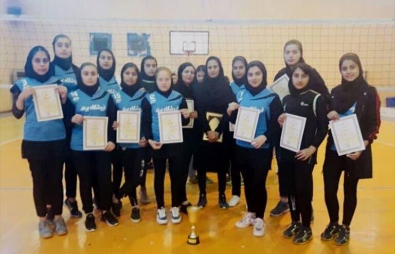 تیم والیبال دختران گناوه به مسابقات نوجوانان کشور راه یافت