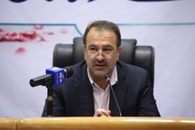 استاندار فارس: سرمایه گذار نباید در پیچ و خم اداری سرگردان شود