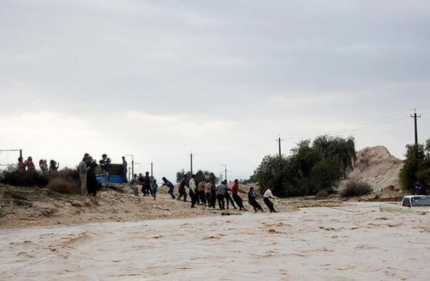 واژگونی خودرو در سیلاب یک کشته و 2 مفقودی داشت