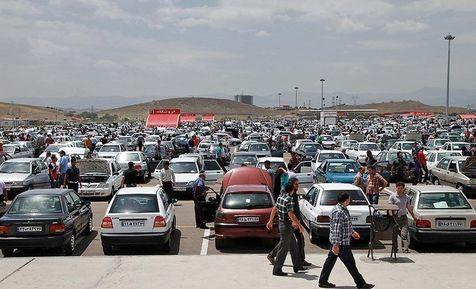 تاثیر کاهش قیمت دلار بر بازار خودرو