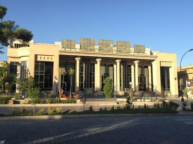 اصحاب فرهنگ و هنر فارس به پاس بازگرداندن آرامش از دولت تقدیر کردند