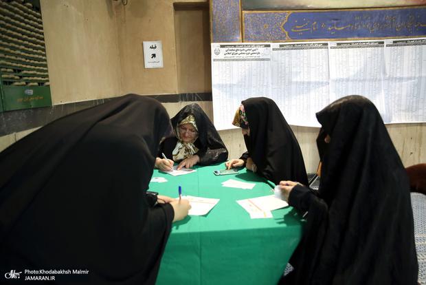 زنان شانسی برای کاندیداتوری در انتخابات 1400 دارند؟