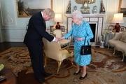 چالش نخست وزیر انگلیس با ملکه: وقتی بوریس جانسون حاضر به استعفا نیست