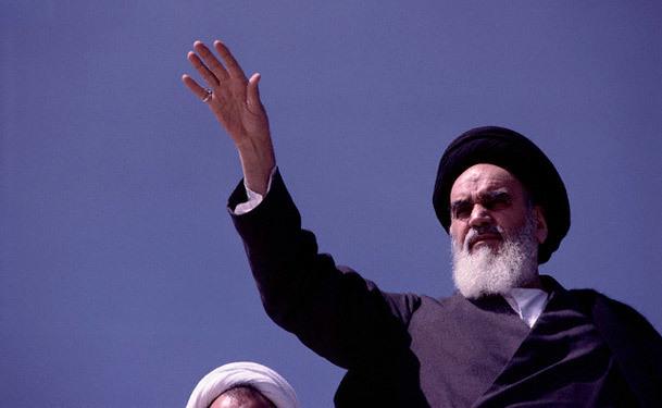 نقش نهاد دانشگاه در سعادت ملت / گزیده بیانات امام خمینی(س)