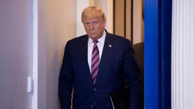 مسئولان ارشد کاخ سفید بی سر و صدا از ترامپ فاصله می گیرند