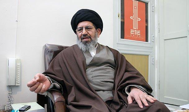 فتوای آیت الله بیات فتوای جدیدی نیست/آنانی که هتاکی می کنند اغراض سیاسی را دنبال می کنند/ نباید زمینه را برای ترک کلی یک عبادت مهیا نمود