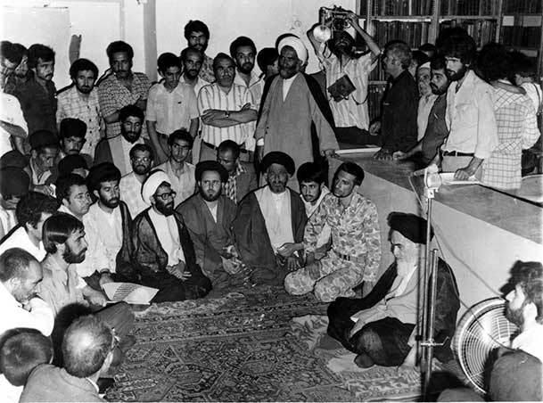 امام خمینی: با رفتار و اخلاق اسلامی نهضت را حفظ کنید