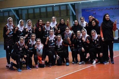 قهرمانی تیم والیبال زنان سایپا برای دومین سال متوالی در لیگ برتر