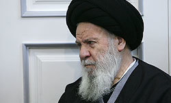 آیت الله العظمی موسوی اردبیلی حرمت شکنی در حرم امام خمینی را محکوم کرد