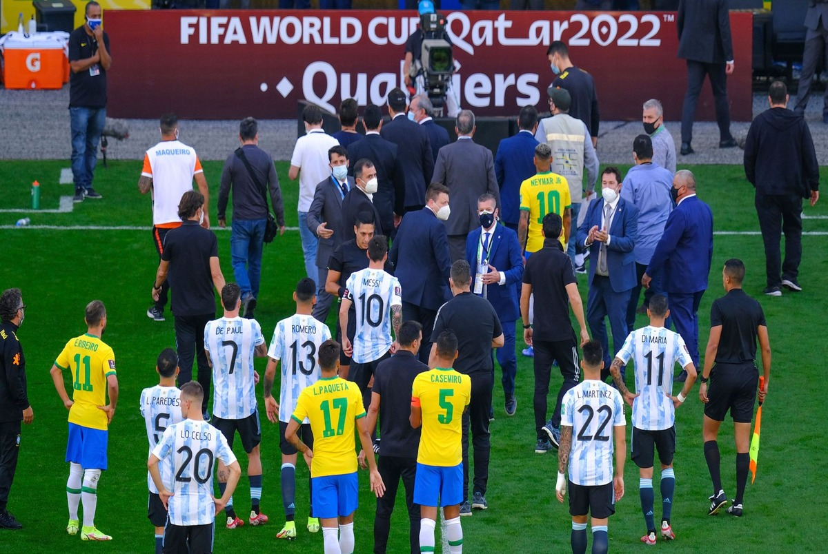واکنش رسانههای دنیا درباره اتفاق عجیب دیدار برزیل و آرژانتین + عکس