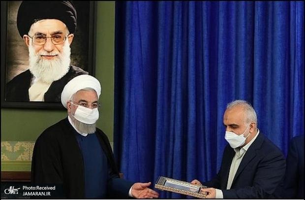 روحانی از وزیر اقتصاد تقدیر کرد