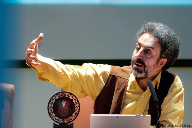 محسن رنانی مطرح کرد: به جای نق زدن به حکومت، خودمان را قوی کنیم