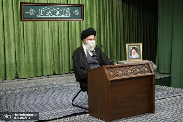ترجمه حدیث نصب شده در حسینیه امام خمینی (ره) در دیدار امروز مداحان با رهبر انقلاب + عکس