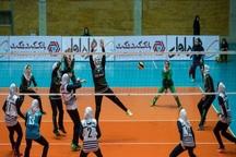 مسابقات والیبال بانوان کارمند کشور به ایستگاه نیمه نهایی رسید