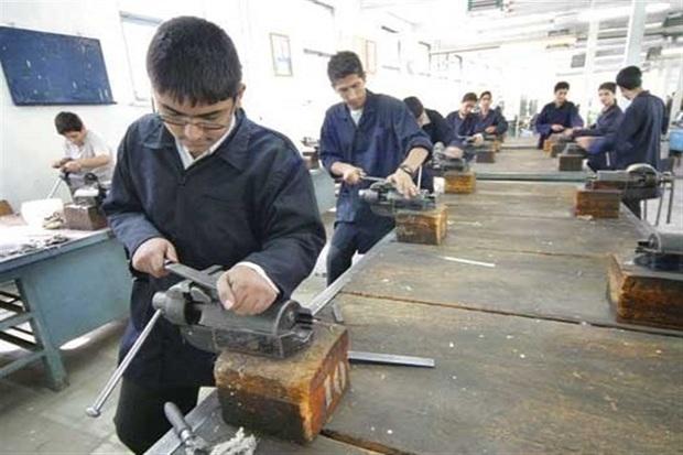 بستر مهارت آموزی به دانش آموزان در مدارس فراهم شود