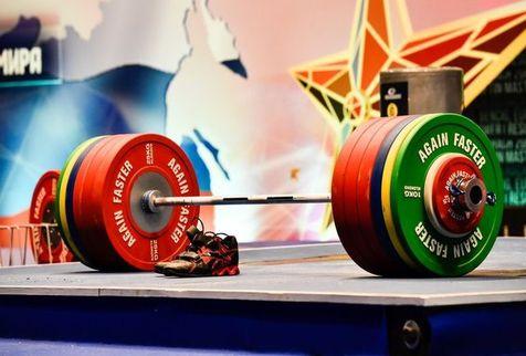 شکسته شدن رکورد وزنهبرداری توسط بانوی ایران+ویدیو
