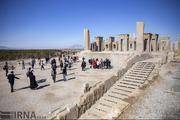 استاندار فارس: اظهارات غیرکارشناسی صنعت گردشگری را دچار مشکل میکند