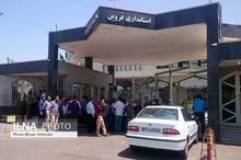 کارگران کنتورسازی مقابل استانداری قزوین تجمع کردند  یک کارگر: مدیر شرکت از داخل زندان عزل و نصب میکند