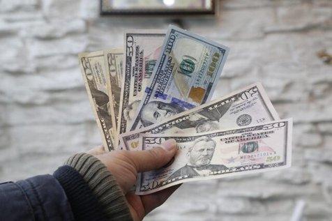 زمزمه دلار ۲۲ هزار تومانی در فردوسی