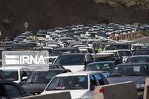 ترافیک در جادههای استان تهران نیمه سنگین است