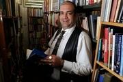 ماجرای جالب یک کتاب فروش که یک شبه همه کتاب هایش را فروخت