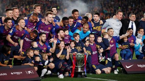 جشن قهرمانی زودهنگام بارسلونا در لالیگا