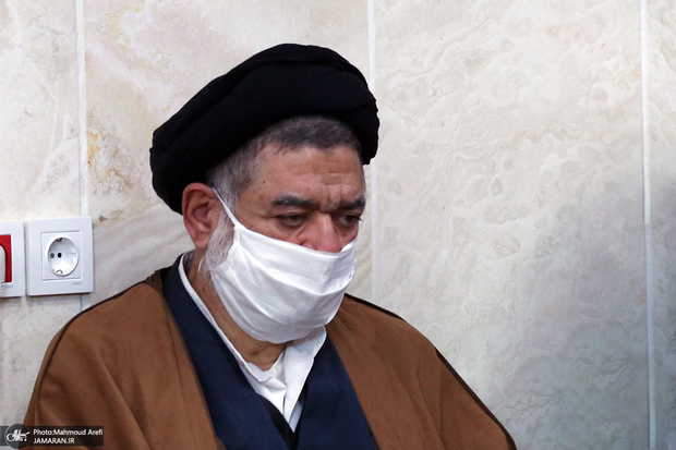 علیاکبر محتشمیپور در بیمارستان بستری شد