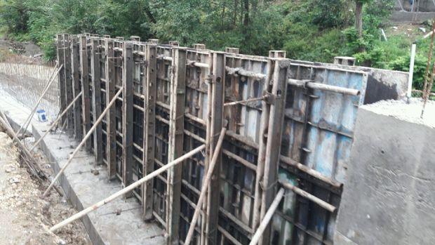 ساخت دیواره رودخانه مرداب آستارا آغاز شد