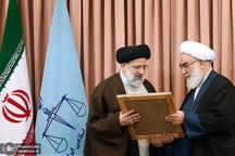 حجت الاسلام والمسلمین سید ابراهیم رئیسی به طور رسمی عهده دار ریاست دستگاه قضا شد