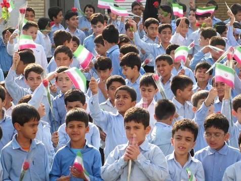 گرم کردن کلاس درس روستایی با هیزم و واکنش آموزش و پرورش آذربایجان شرقی