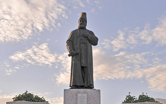 مجسمه امیرکبیر پارک ملت