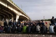 معترضان هپکو اراک راه آهن شمال - جنوب را بستند