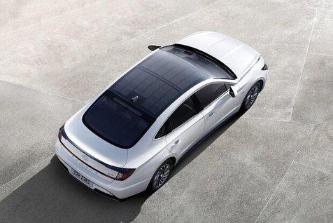 معرفی نخستین خودروی خورشیدی هیوندای + عکس
