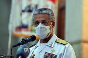 دریادار سیاری: ارتش آمریکا در وضعیت اسفباری قرار دارد