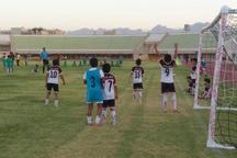 جشنواره مدارس فوتبال یزد با رقابت 200 نونهال آغاز شد