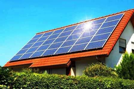 نیروگاه خورشیدی در مخابرات تفت راه اندازی شد