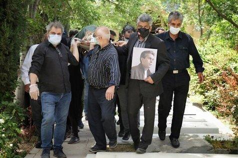 مراسم خاکسپاری افشین سلیمانپور با حضور جمعی از هنرمندان + تصاویر