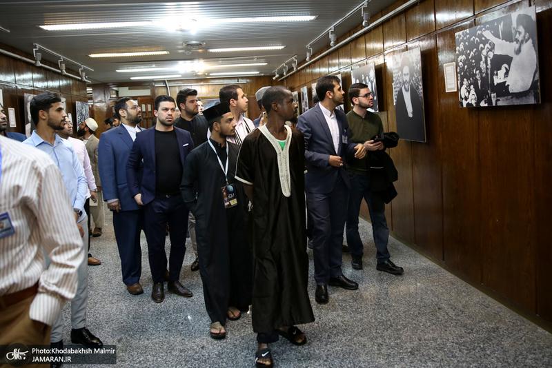 بازدید جمعی از شرکت کنندگان سی وششمین دوره مسابقات بین المللی قرآن کریم از جماران