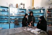 دانش آموزان مهریز در رقابت های آزمایشگاهی شرکت کردند