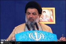 مکتب حسینی ملت ایران شهادت را افتخار می داند