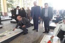 استاندار قزوین به شهدای آبیک ادای احترام کرد