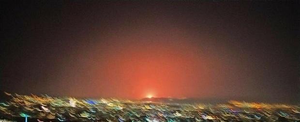 مشاهده نور عجیب از شرق تهران+عکس و فیلم