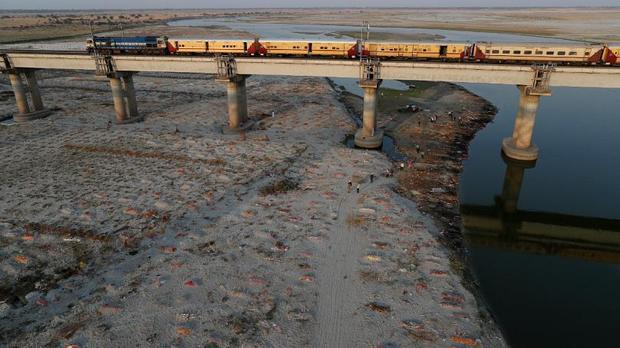 فاجعه جدید در هند؛پیدا شدن 2هزار جسد در رودخانه ها