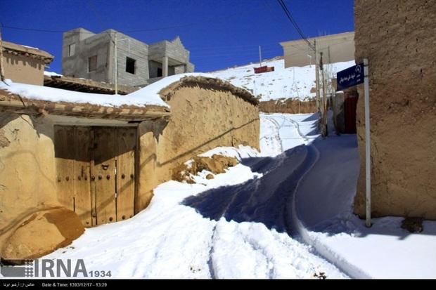 بارش برف راه ارتباطی 25 روستای آذربایجان شرقی را بست